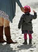 Eine Kindergruppe ist purer Stress für Säuglinge