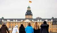 Zu gütig – Kretschmann erlaubt badische Flagge auf Karlsruher Schlossturm