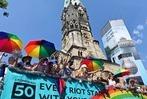 Fotos: Hunderttausende feiern den CSD in Berlin
