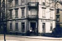 In der Dreikönigstraße 39 in der Wiehre gab's lange Backwaren und Lebensmittel – und heute ein Café