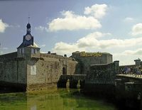 Festung im Hafenbecken