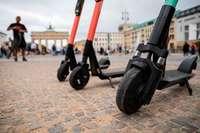 Kommunen und E-Scooter-Anbieter vereinbaren mehr Sicherheit und Ordnung