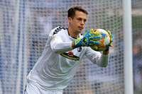 Torhüter Alexander Schwolow verlängert seinen Vertrag beim Sportclub