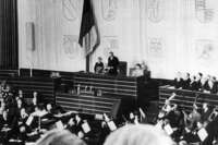 70 Jahre Bundestag: Ein Parlament im Erregungszustand