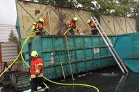 In Gottenheim stand ein Abfallcontainer in Flammen
