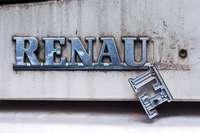 Renault-Scenic-Brandstifter ist noch auf freiem Fuß