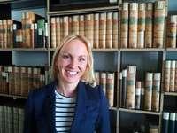 Althistorikerin macht in Basel die älteste Handschrift des Christentums verständlich
