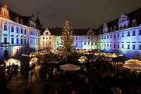 Genießen Sie in Regensburg die vorweihnachtliche Pracht und das Weihnachtskonzert der Regensburger Domspatzen!