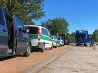 In Deutschland können Lkw-Fahrer billiger gegen Regeln verstoßen als anderswo