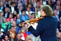 Erleben Sie André Rieu live in der Münchner Olympiahalle und freuen Sie sich auf Erkundungen in der bayerischen Hauptstadt!