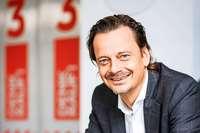 Alexander-Bürkle-Gesellschafter Andreas Ege entspannt sich beim Fotografieren