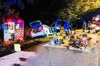 Zwei Schwerverletzte bei Zusammenstoß mit Rettungswagen
