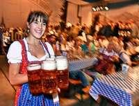 Beim Ganter-Oktoberfest gingen 15.000 Maß und 1000 Hendl über den Tresen