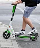 ADAC: E-Scooter-Fahrer brechen Regeln