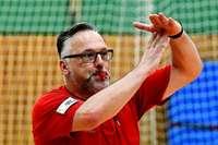 Schiedsrichtermangel – warum immer mehr Spiele nur noch ein Referee leitet