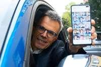 Singender Werbefachmann wird durch Auto-Karaoke zum Instagram-Star