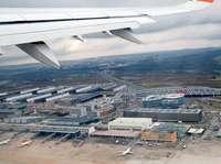 Feuerwehr evakuiert Hotel am Flughafen Stuttgart bei Brand