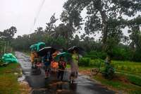Mehr als 450.000 Menschen fliehen in Indien und Bangladesch vor Zyklon