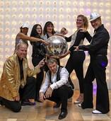 Die Disco Delights zelebrieren Hits der 70er- und 80er-Jahre im Schlachthof
