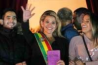 Oppositionelle Senatorin erklärt sich zur Präsidentin von Bolivien