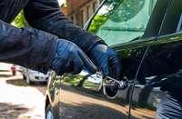 Auto vor Döner-Imbiss in Zell geklaut