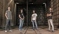 Right False spielen eigene Songs im Offenburger KiK