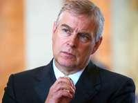 Prinz Andrew tritt vorerst von offiziellen Aufgaben für Royals zurück