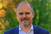 Made in Stegen: Bernd Wolf entwirft seit 1992 Designschmuck