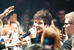 Fotos: Fans feiern Wincent Weiss in der Sick-Arena in Freiburg