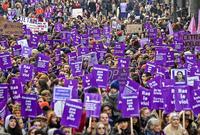 Zehntausende demonstrieren