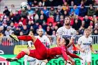 Mario Gomez erzielt in Sandhausen drei Treffer – kein einziger zählt