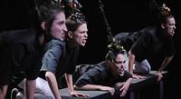 Die Choreografin Flora Détraz zeigt eine Performance zum Thema Freude