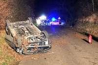 Auto überschlägt sich auf der Betberger Straße bei Sulzburg