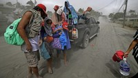 Tausende fliehen vor Vulkanausbruch