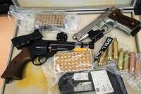 Schweizer Zoll entdeckt in Biel-Benken 9 Schusswaffen bei einem Ehepaar
