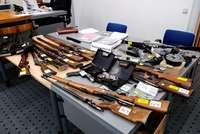 Deutscher hortet 13 Waffen in der Schweiz – Bewährungsstrafe
