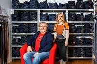 Wie man bewusster Kleider kaufen kann