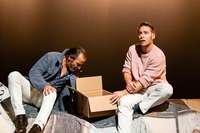 """Dirk Lauckes Wohnraumposse """"Nur das Beste"""" am Theater Freiburg"""