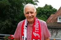 Alexander Faller ist 95 und steht seit 1991 beim SC auf der Nordtribüne