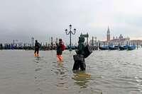 Venedig testet Sechs-Milliarden-Euro-Projekt gegen Hochwasser
