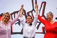 Dauerpräsident wird bei der Wahl von Aktivistinnen der Opposition herausgefordert