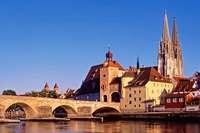 Genießen Sie Regensburg, seine Umgebung und die Schlossfestspiele!