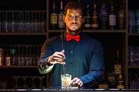"""Shaken Sie sich fit in """"Classic Cocktails"""" und verkosten Sie edlen Gin!"""