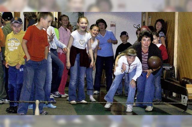 Kinder aus Weißrussland erholen sich am Kaiserstuhl