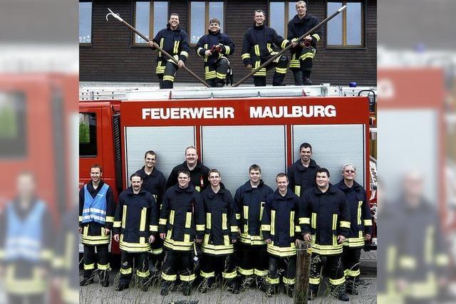 15 goldene Feuerwehrleute