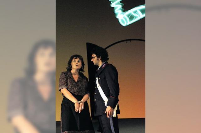 Eine Oper wird entkleidet