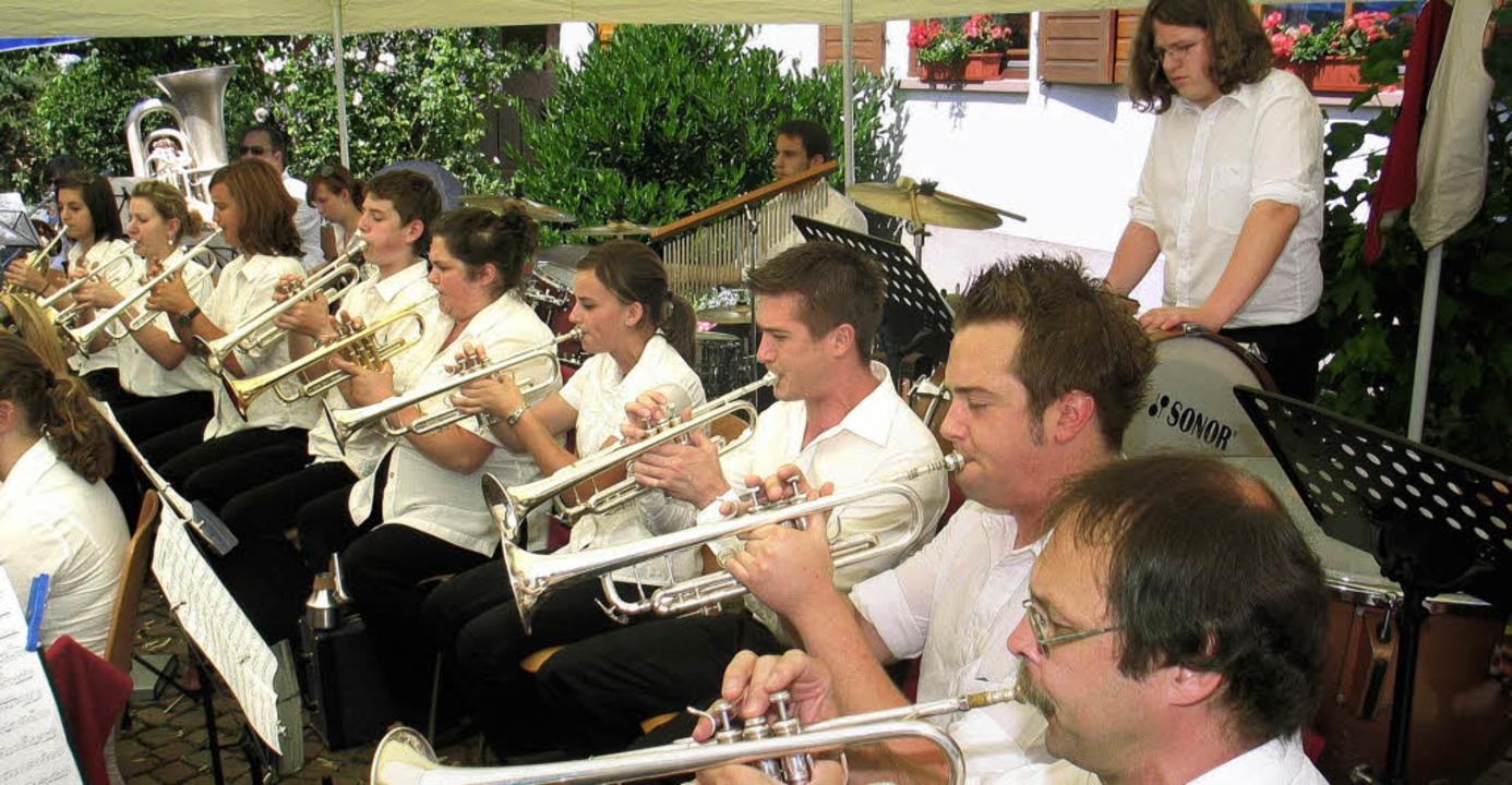 Der Musikverein Mahlberg eröffnete mus...Sommerhock des Musikverein Wagenstadt.