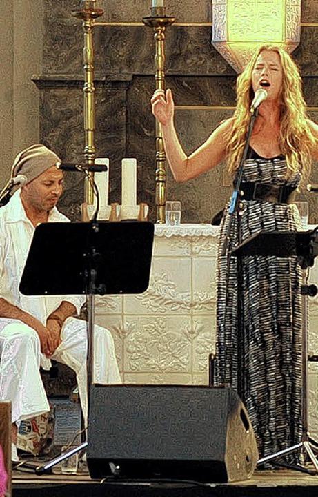 Dhafer  Youssef und Rebekka Bakken  in St. Fridolin   | Foto: Juri Junkov