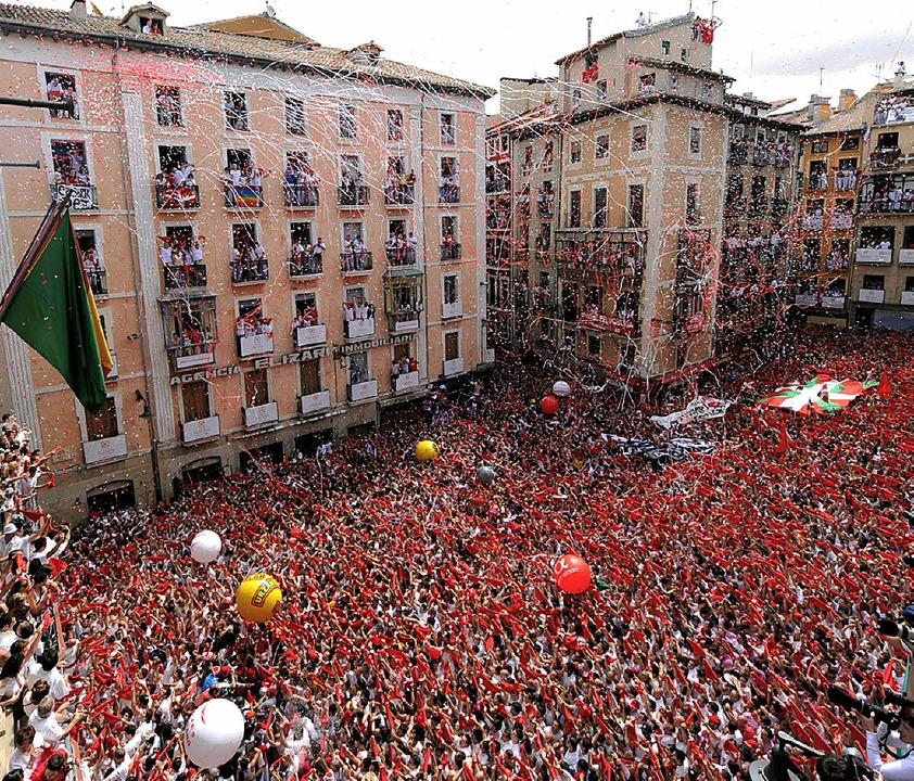 Die Eröffnungsfeier am Sonntag war die... Hemingway dort die Fiesta besuchte.      Foto: AFP