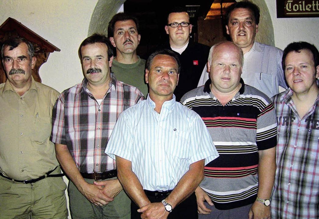 Verdiente Mitglieder des SV Häusern: I...10 Jahre)  mit  Frank Schmidt.  <?ZE?>  | Foto: Siegfried Krex